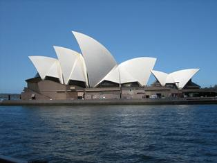 Sydney Opera House by Nicole Frey