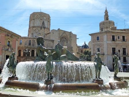Fountain in plaza of Valencia