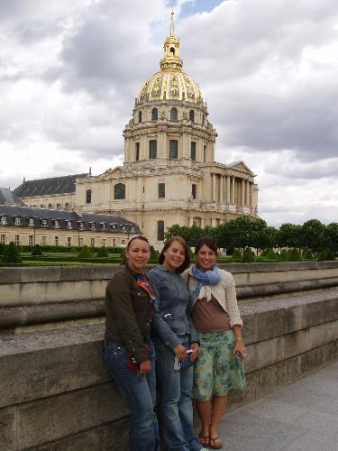 Group in front of Invalide by Areti Ananasopoulos